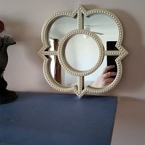 Set of 3 quatrefoil mirrors
